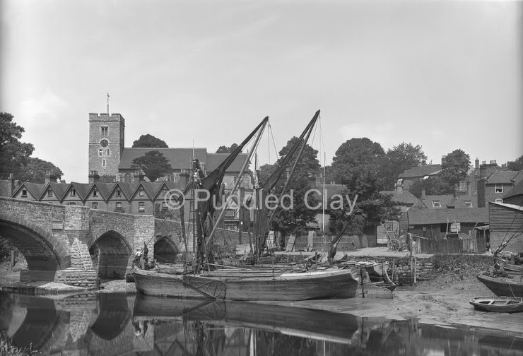 Aylesford village and barges c1900