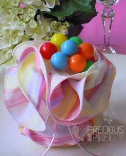 favors with balloons for greek christening