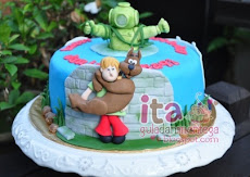 Birthday Cake - Fondant + Figurines