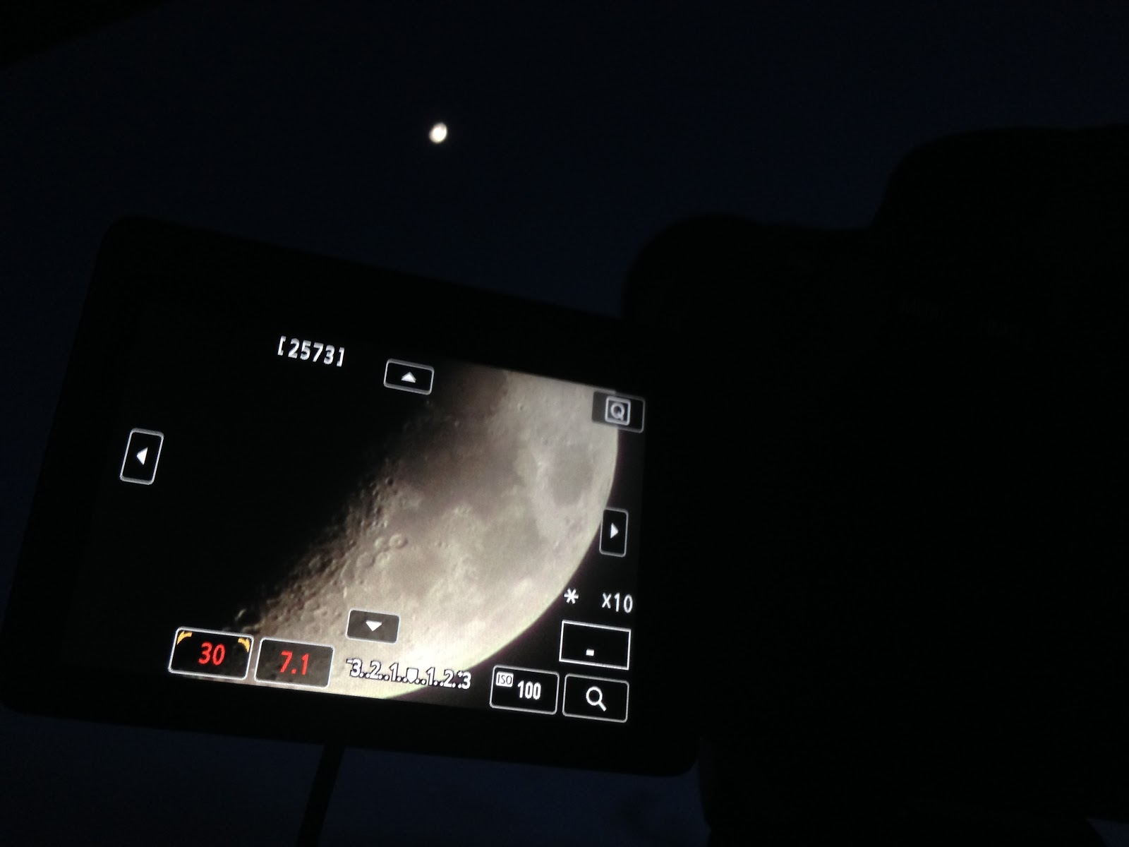 moon canon live view