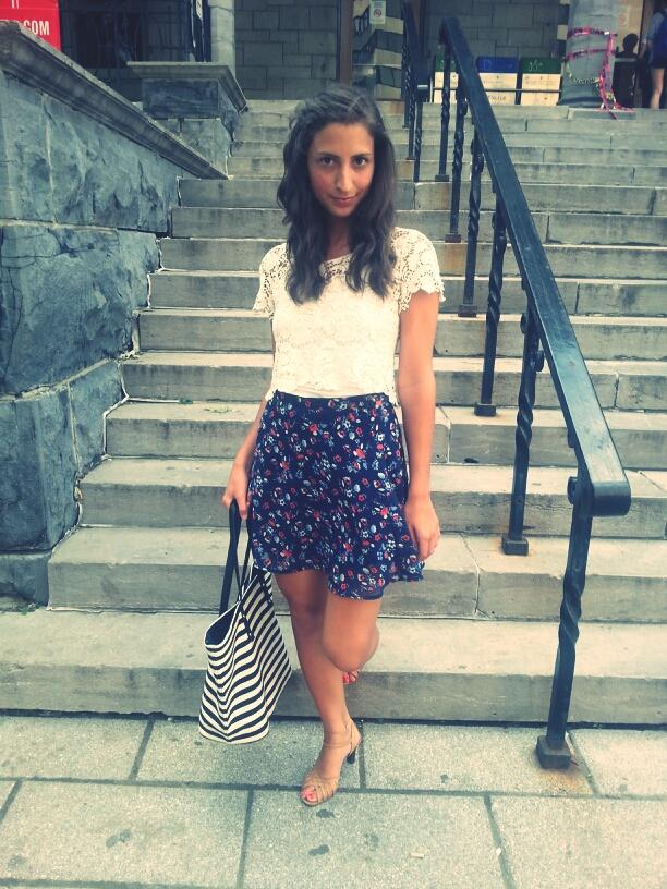 crochet top navy floral skirt sandals stripes tote