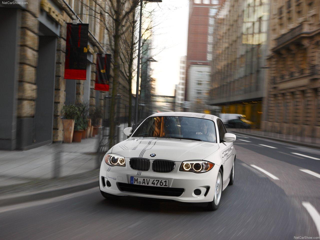 http://4.bp.blogspot.com/-z6AbjGyUO-M/TV3-hvlym5I/AAAAAAAAD9w/_GmLjCRnq4Q/s1600/BMW-ActiveE_Concept_2011_1280x960_wallpaper_03.jpg