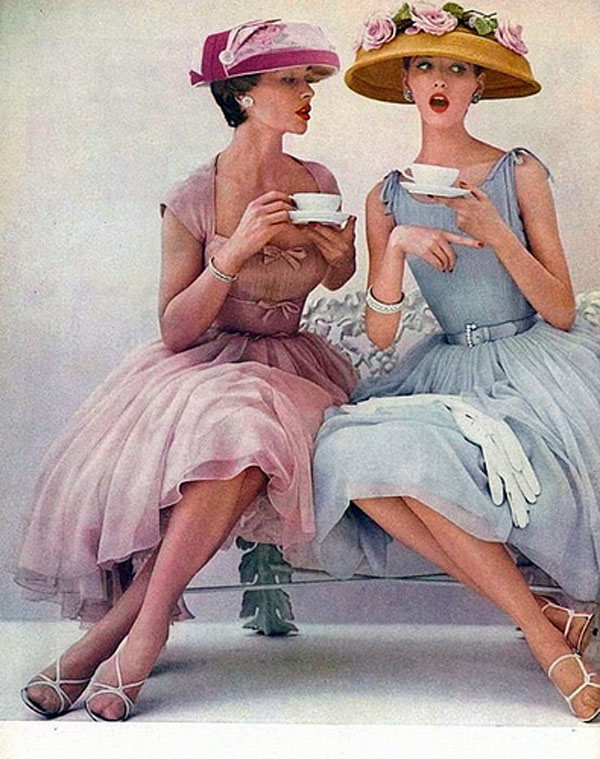 http://4.bp.blogspot.com/-z6TFYhszOTs/UXb4PuD2VaI/AAAAAAAAAs4/oJ4juXwHMDk/s1600/Ladies-1950s-advert.jpg