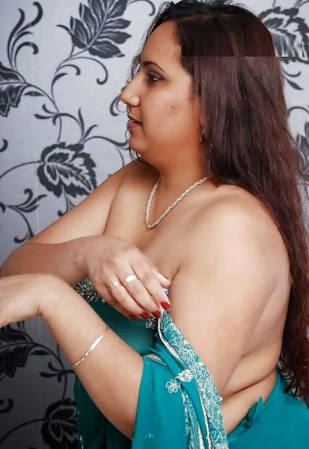 Desi Aunty Full Nude Photo indianudesi.com