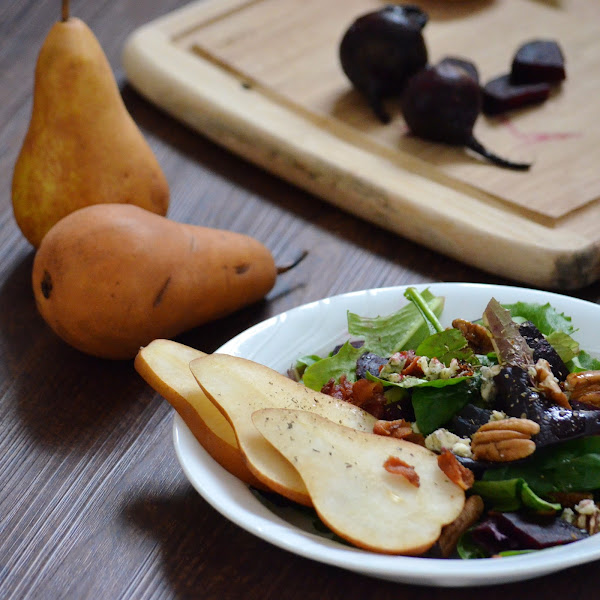 Beet Salad with Pears and Blue Cheese