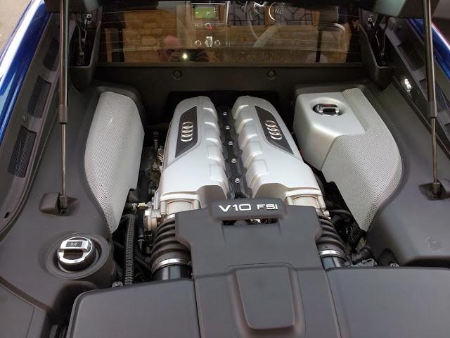 Audi R8 V10 5.2 engine
