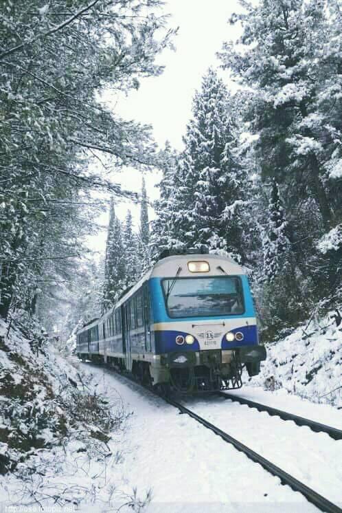 Διαδρομές με το τρένο στον χιονισμένο Μοριά