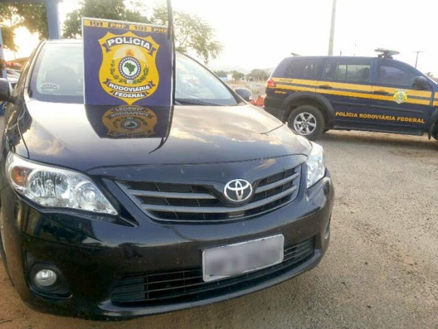 A polícia constatou que o número do motor era diferente do registrado e que o número do chassi fora remarcado | FOTO: Reprodução/PRF