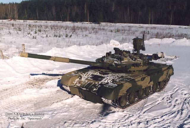 Модернизированный танк Т-80У с КАЗ