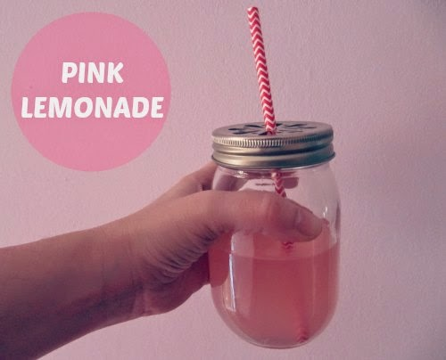 Presentación limonada rosa en tarro cristal con pajita chevron