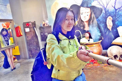Come and play with your imagination at Trick Eye Museum | www.meheartseoul.blogspot.com