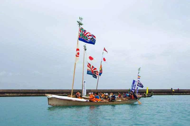 Sailing sabani boats