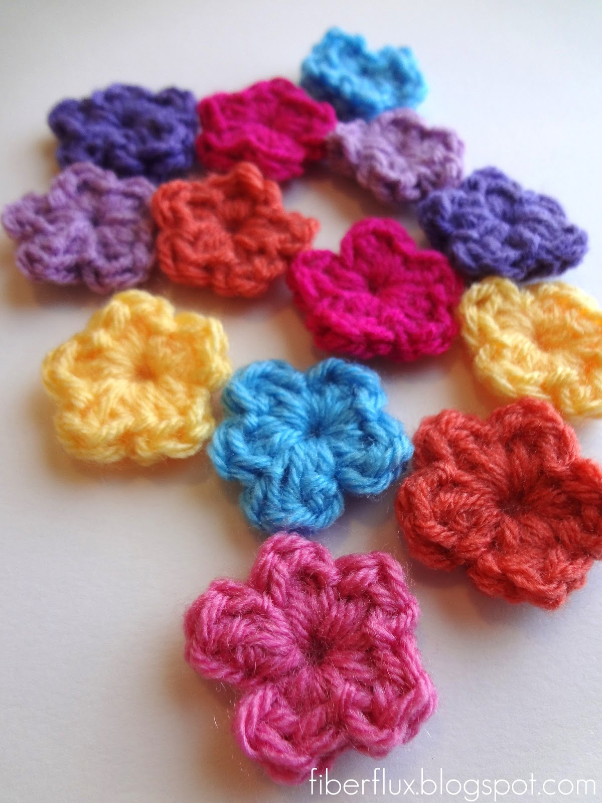 Fiber Flux Free Crochet Pattern e Round Flowers