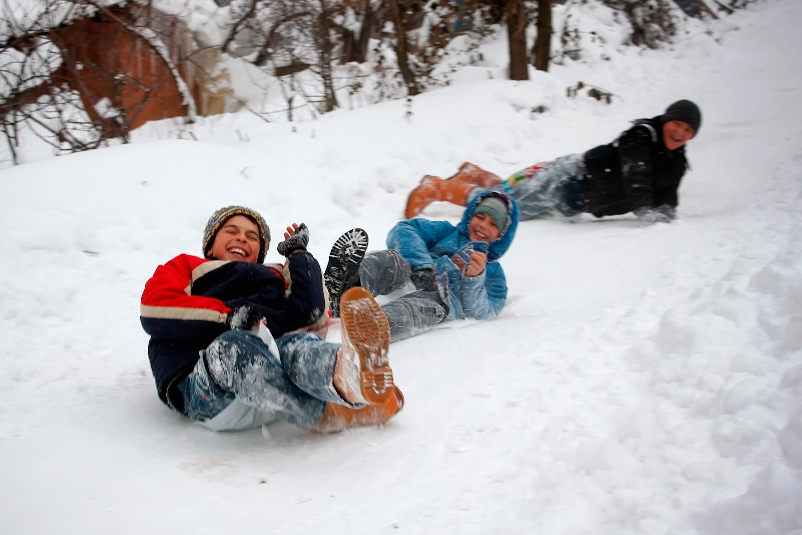 Sugören'de Kış - Karda Kayan Çocuklar