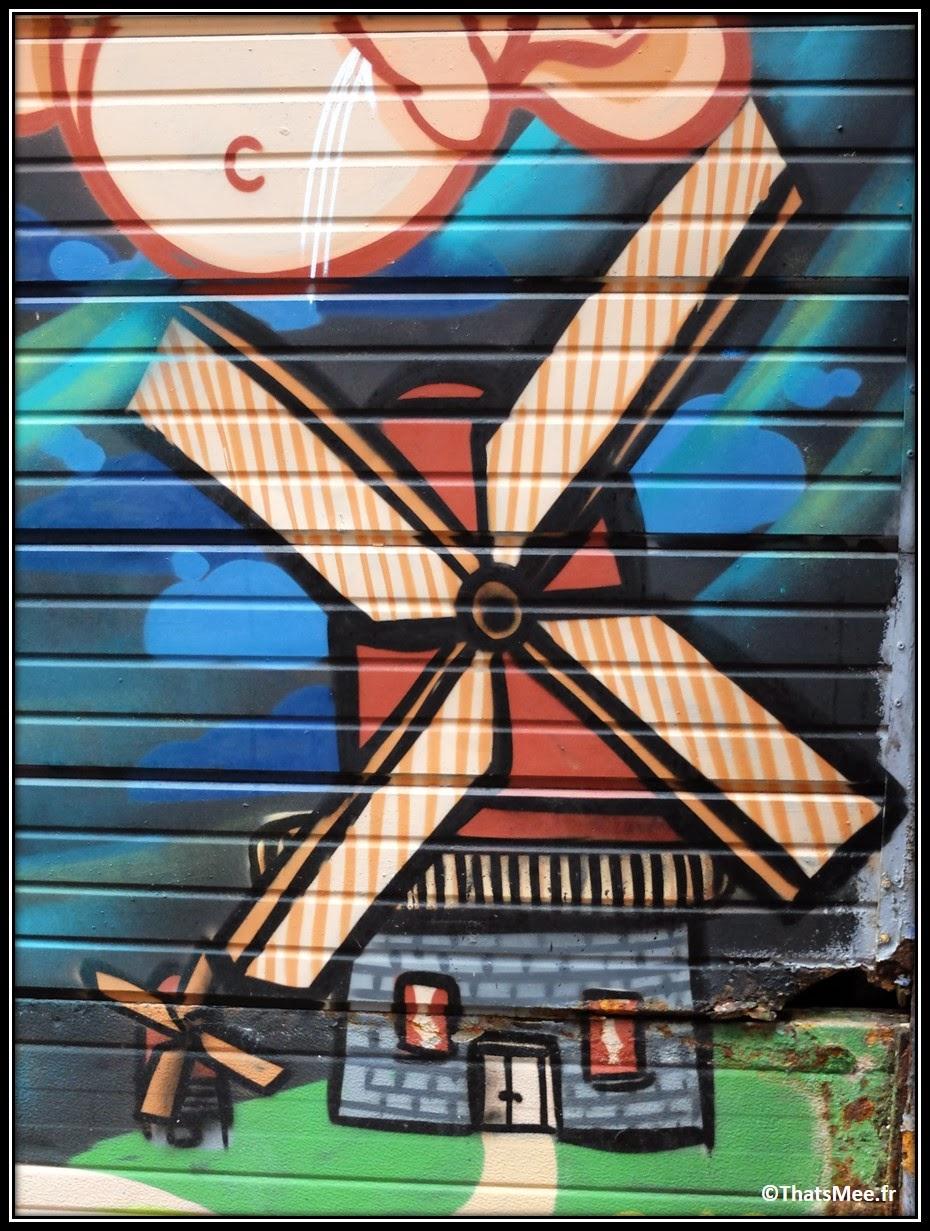street art windmill Amsterdam spuistraat moulin à vents