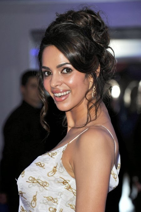 40 most sizzling photos of mallika sherawat indian