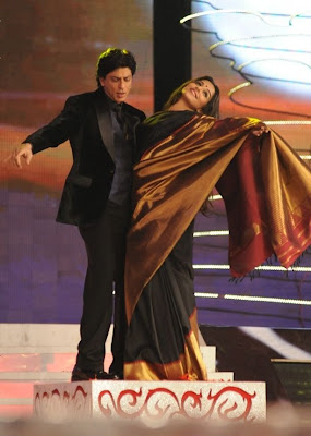 SRK AND Vidya Balan  at 18 th colors Screen Awards 2012