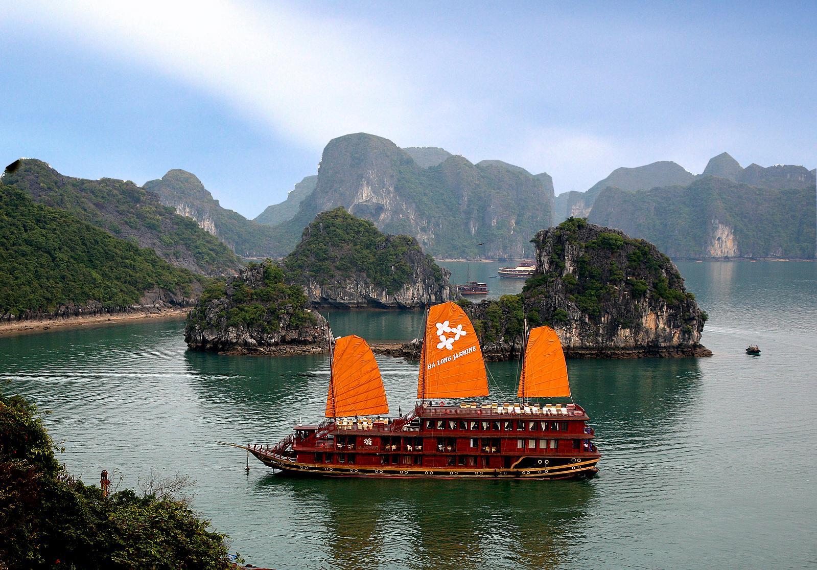 Vietnam Halong Bay Tours, Cruises