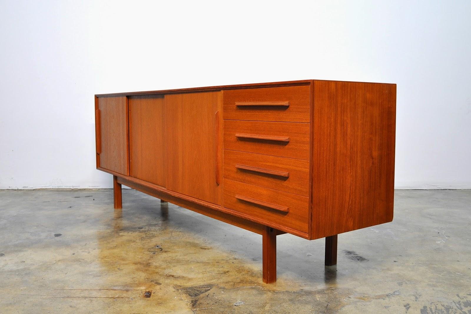 Select modern dyrlund teak credenza bar sideboard for Sideboard 1m breit