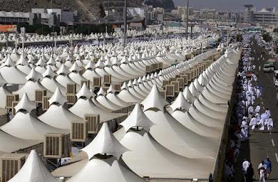migranti tende arabia saudita