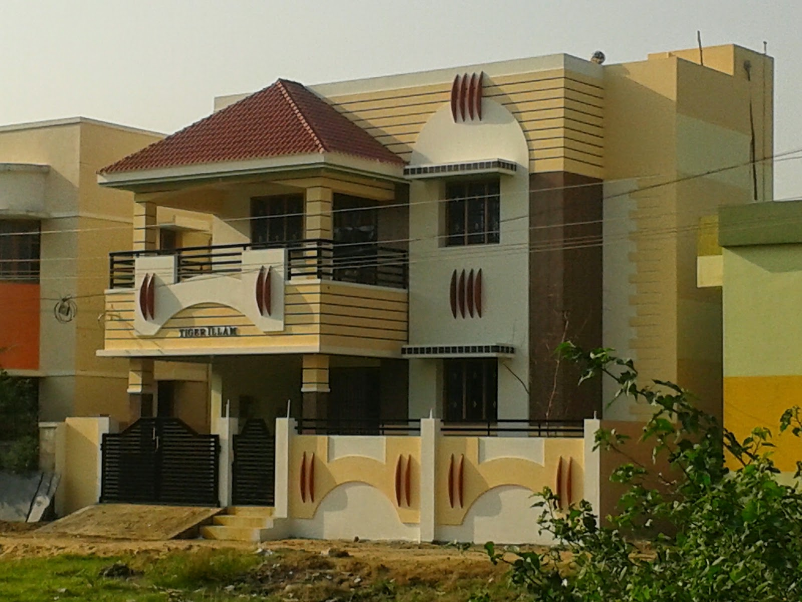 Portico designs for houses in tamilnadu