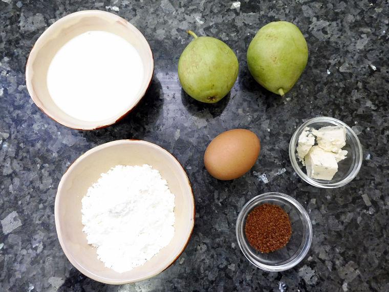 Crepes de pera caramelizada y queso azul