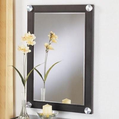 Espejos para un dormitorio moderno decoracion de salas for Decoracion para espejos
