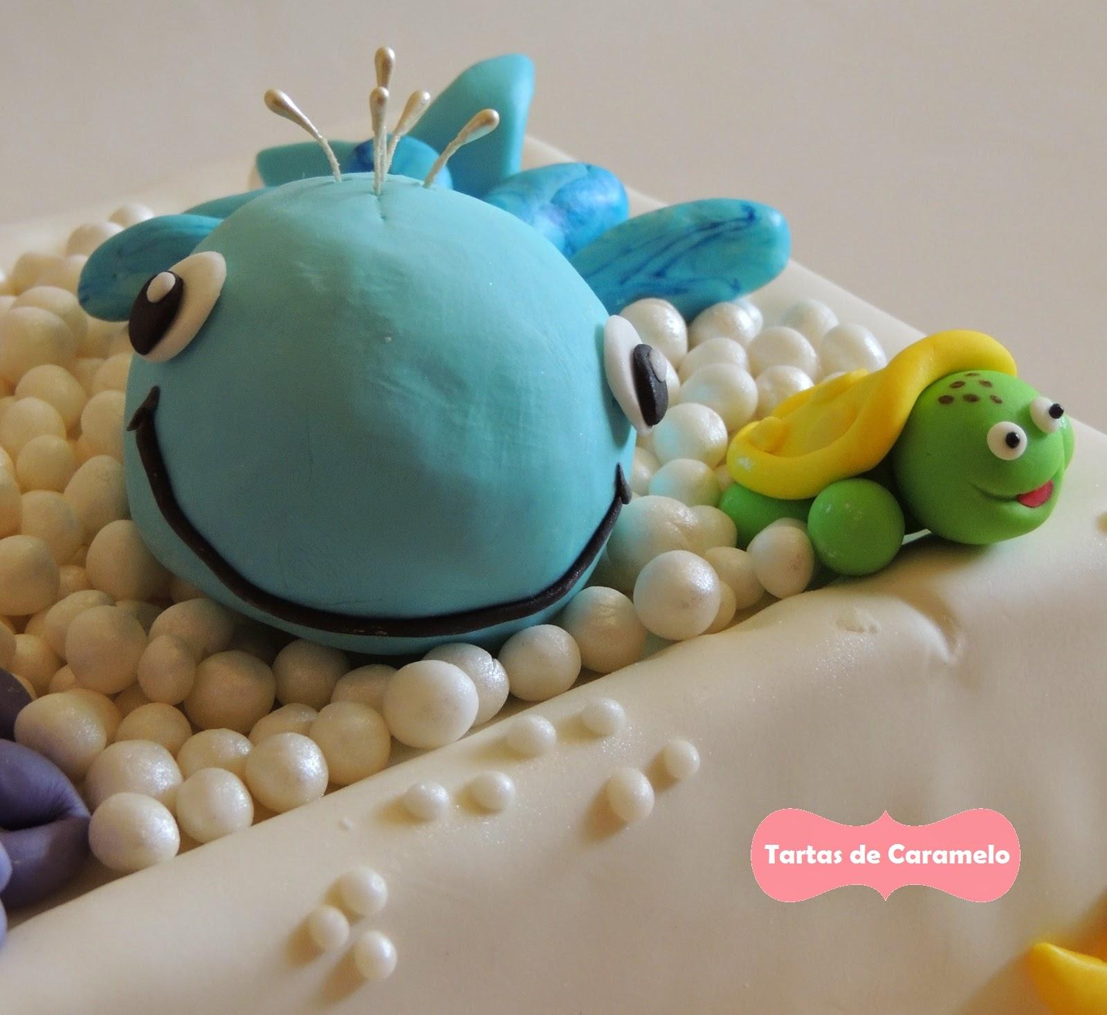 Tarta de cumpleaños: Al baño con mis muñecos! Ballena