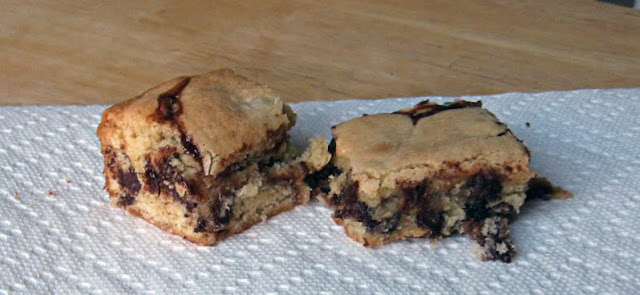 Chocolate Chip Paisley Blondies by freshfromthe.com
