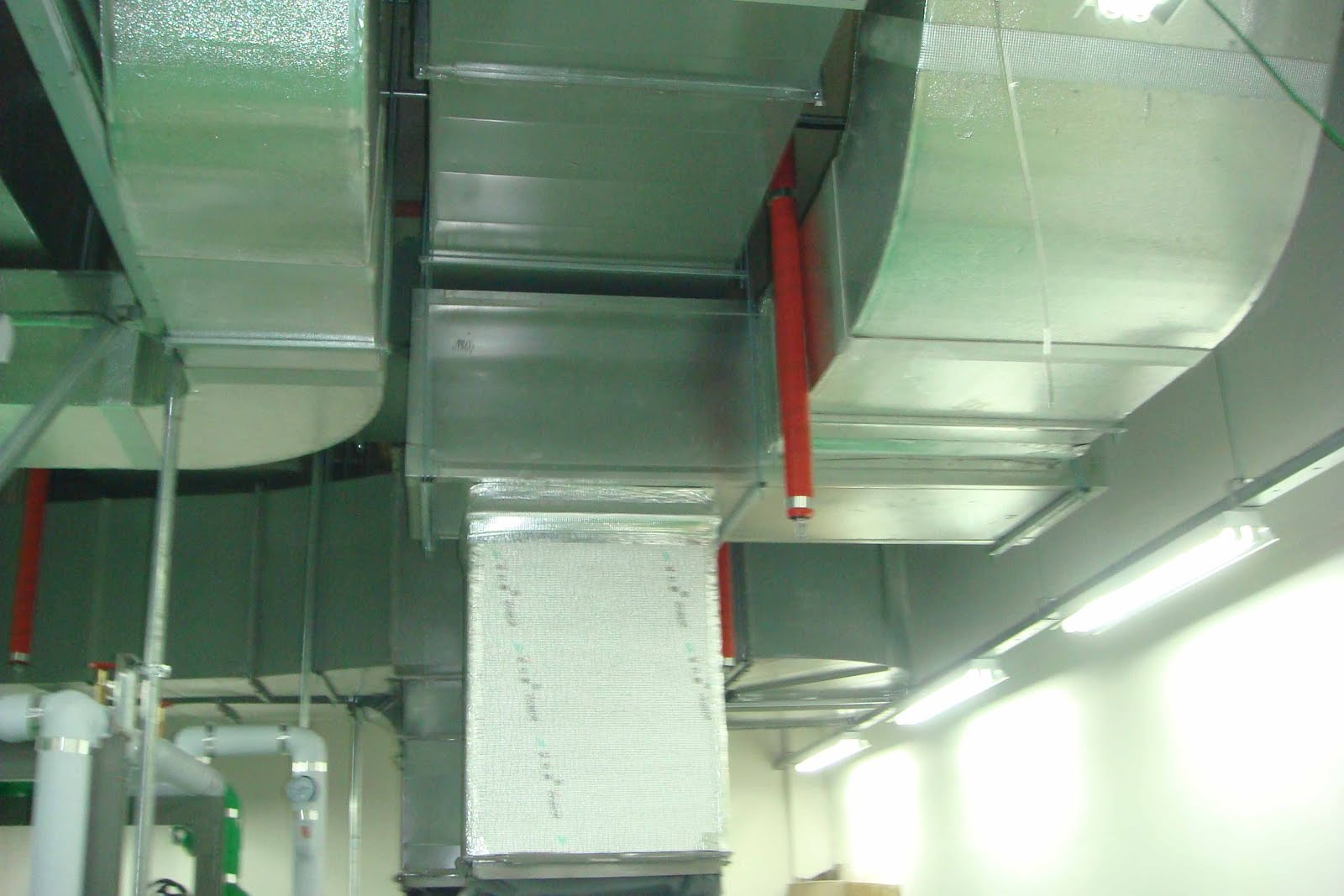 Ducting AC (Air Conditioner)