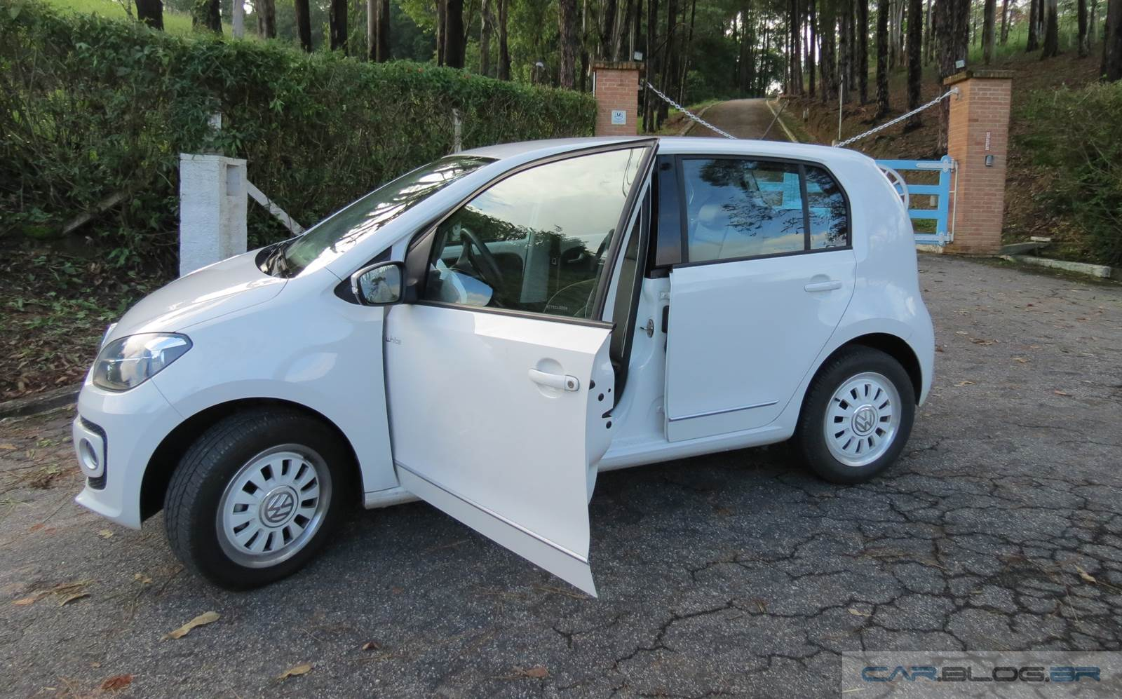 Volkswagen up! I-motion (automatizado)