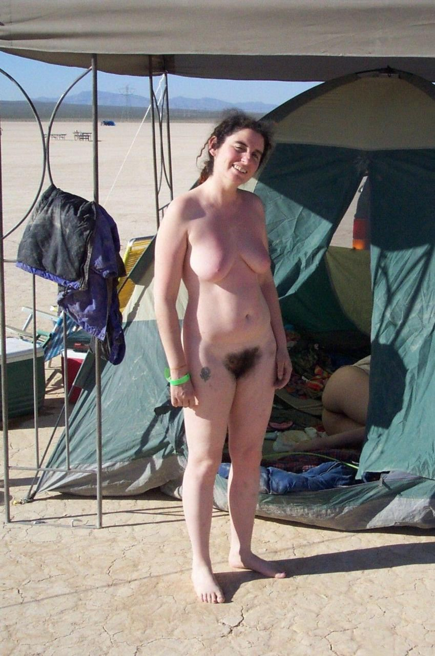nudist women photo of the day 05 02 11   good naked