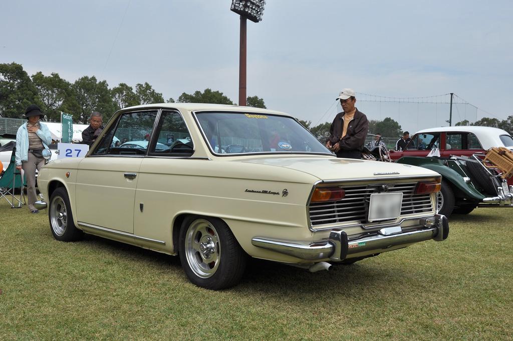 Hino Contessa coupe, klasyczny samochód z Japonii, old car, classic