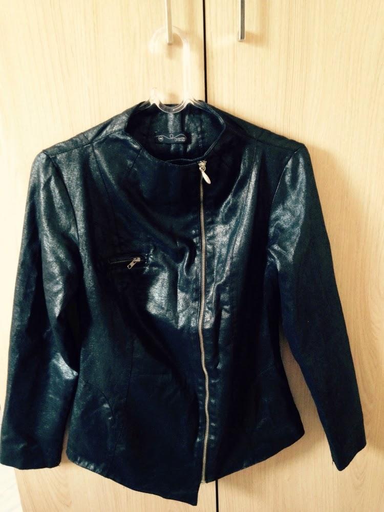 jaqueta preta resinada