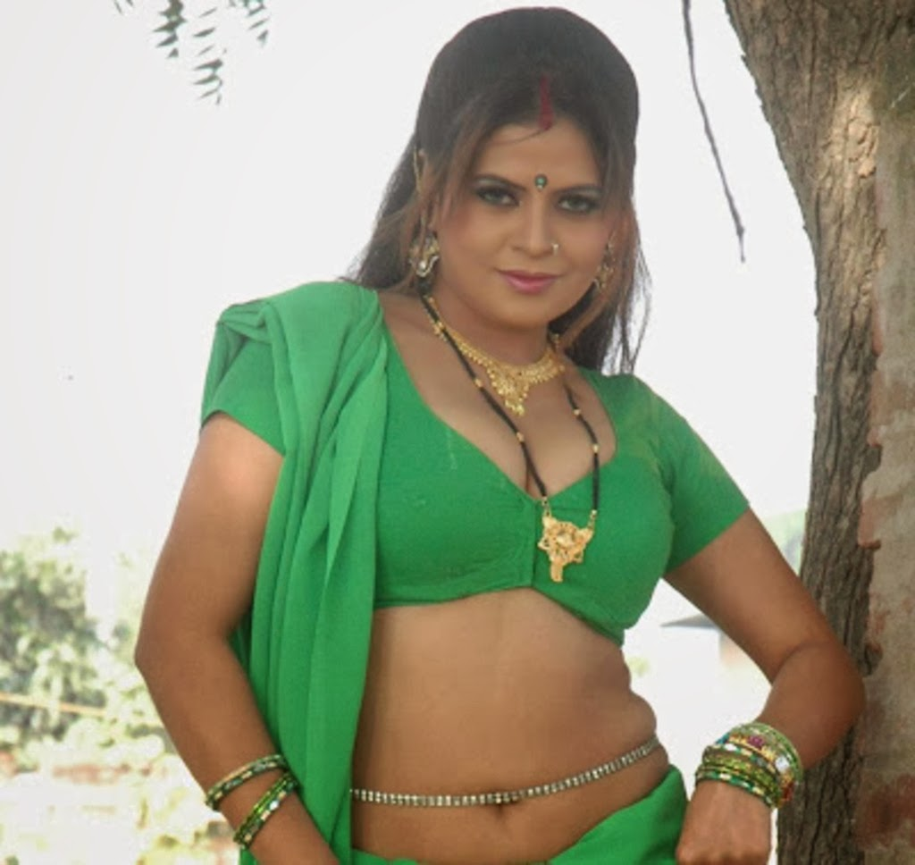 hot gujarati girls in saree