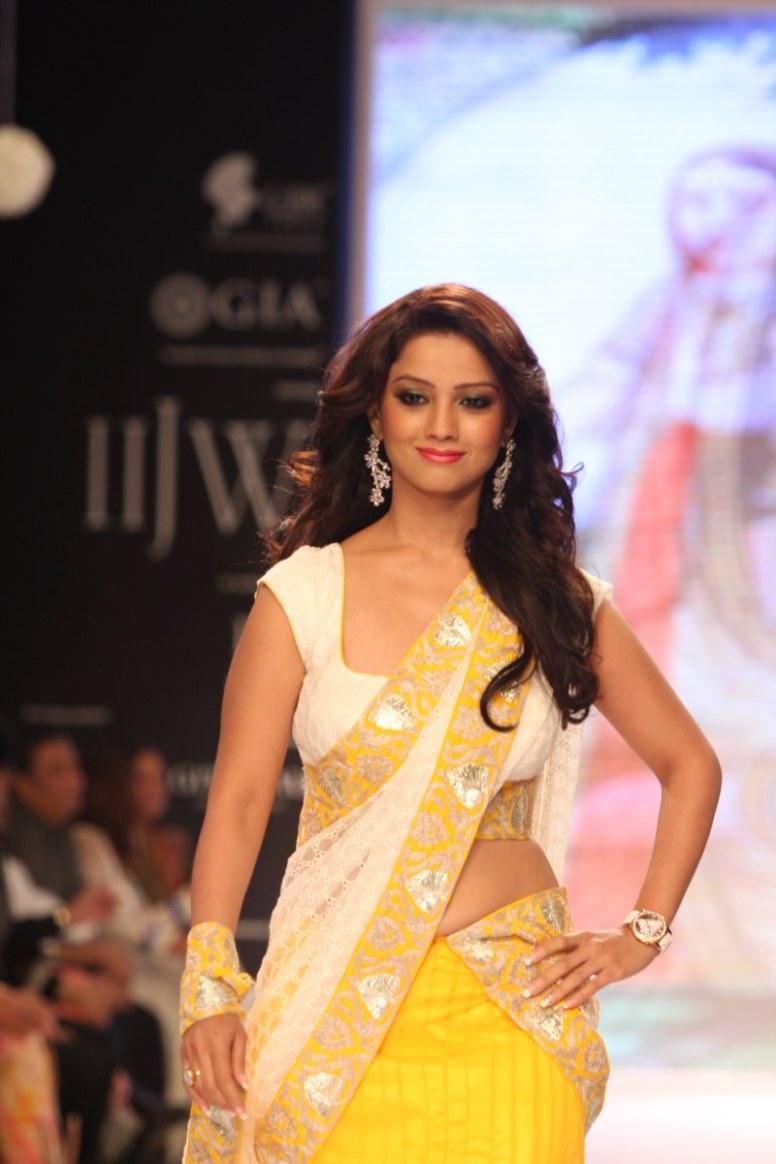 hindi tv serial actress hot navel show photos girlz