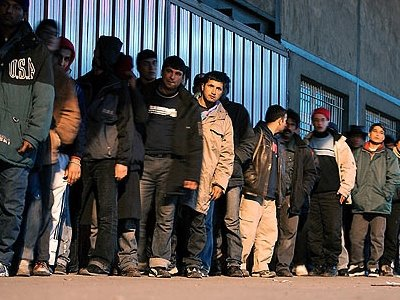LATHROMETANASTES2 ΕΛΛΑΔΑ: Θα στείλουν λαθρομετανάστες από το κέντρο της Αθήνας στον Έβρο;