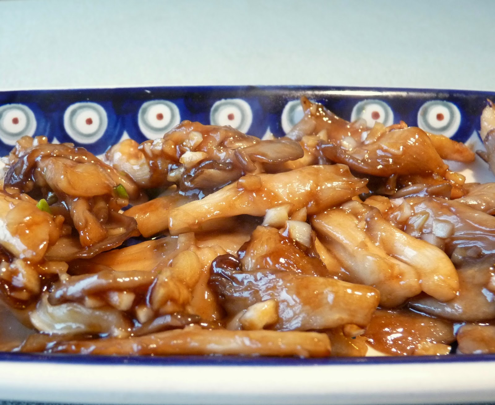 oyster mushrooms in oyster sauce