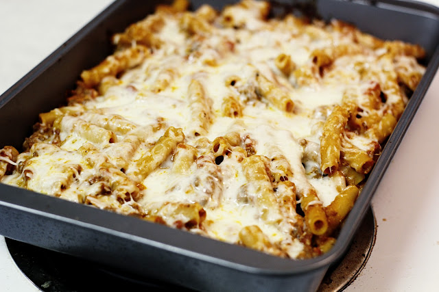 Virginia and Charlie: Day 12 - Lasagna Style Baked Ziti