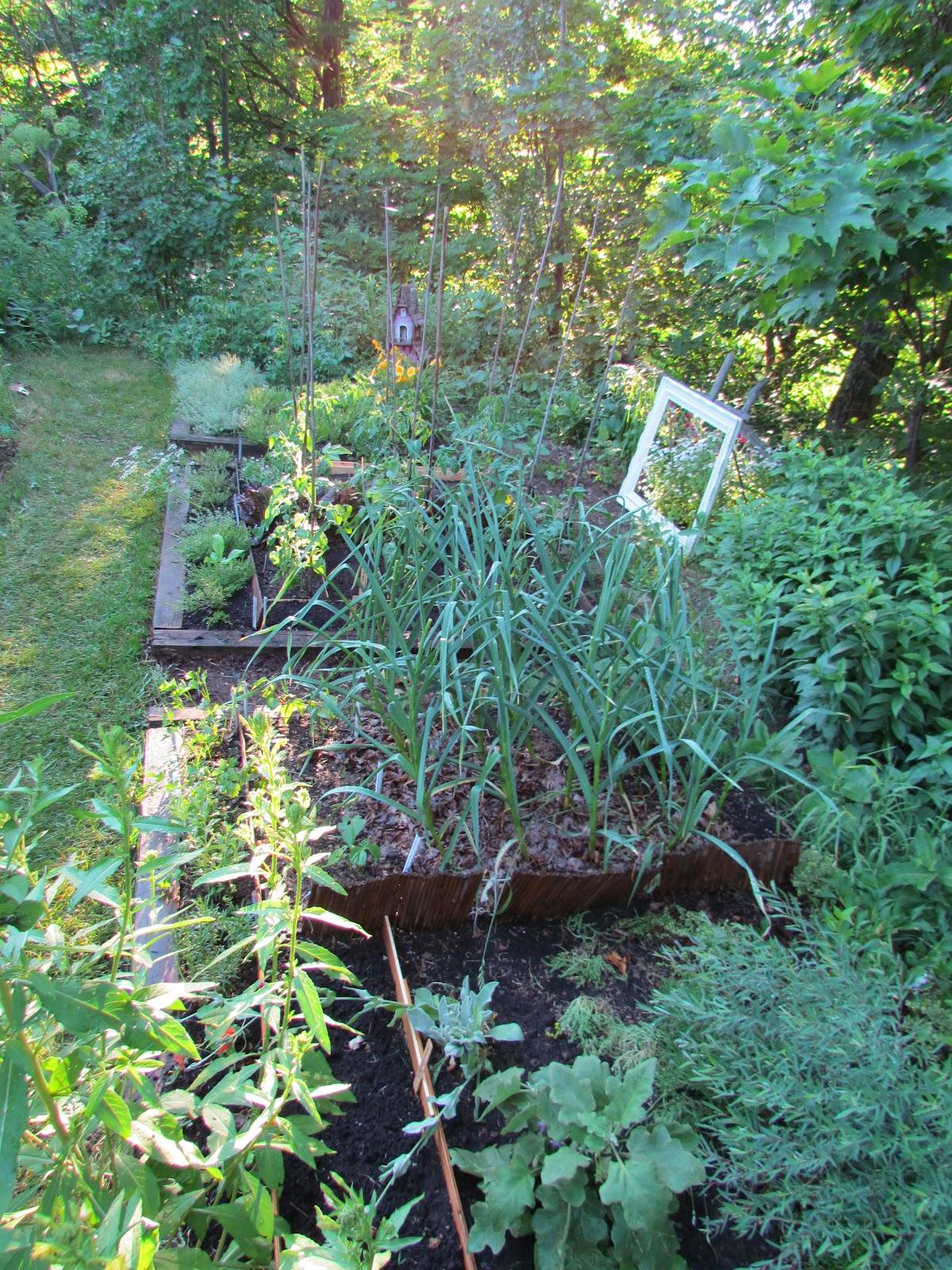 La f e des bois dans le jardin des f es aujourd 39 hui - Jardin de fee ...