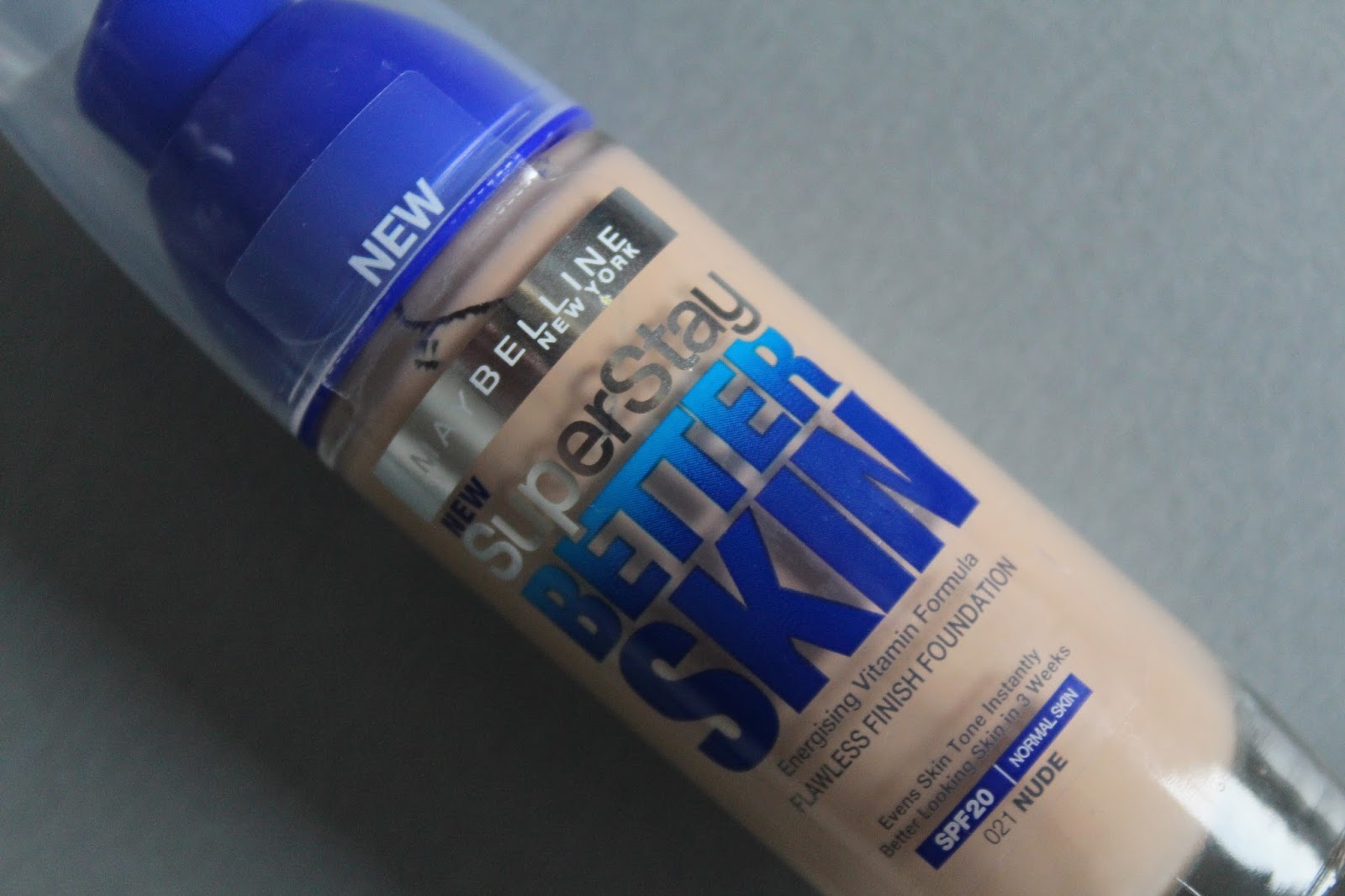Maybelline SuperStay Better Skin tekući puder 021 Nude