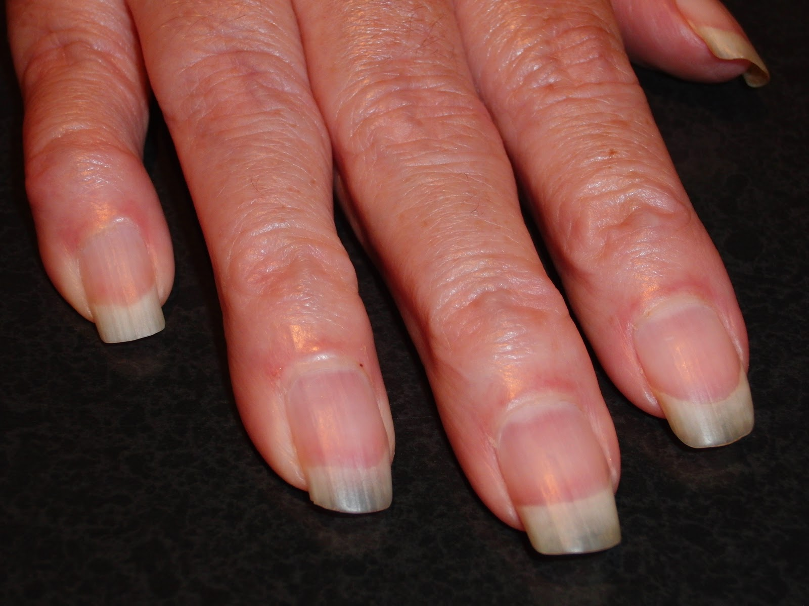 Beauty Blog by Lisa - TIPS from head to toe!: Better Nailcare ...