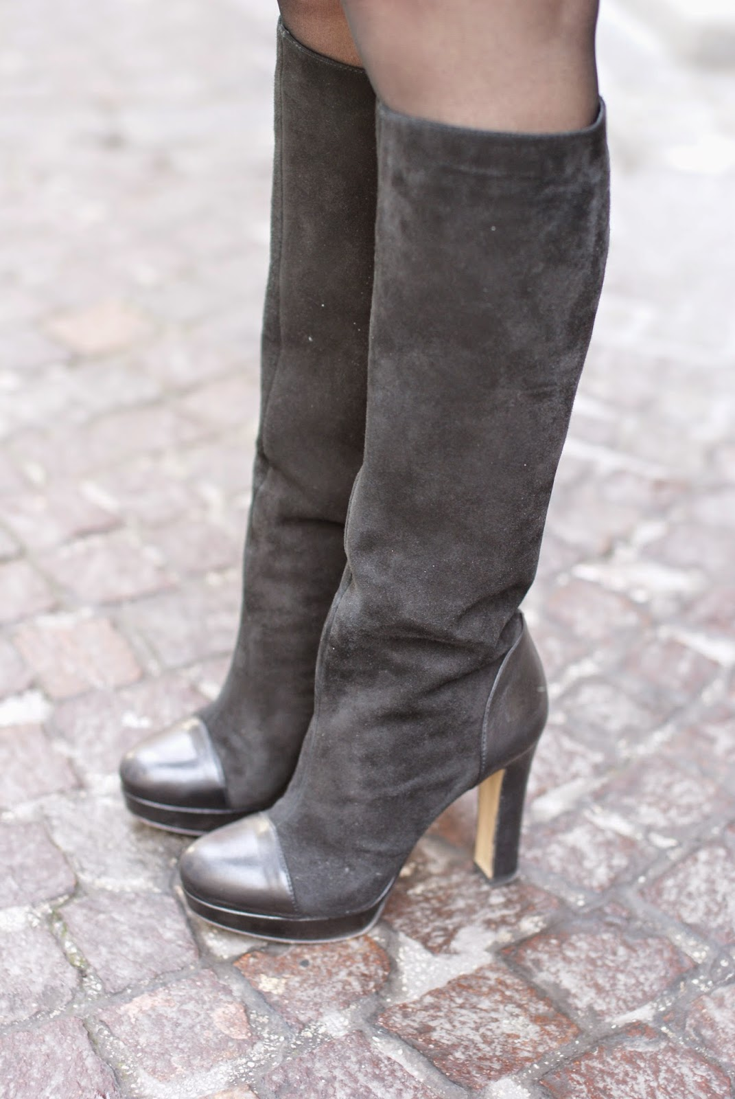 Gaia d'Este cap toe boots in suede and leather, Fashion and Cookies, fashion blogger