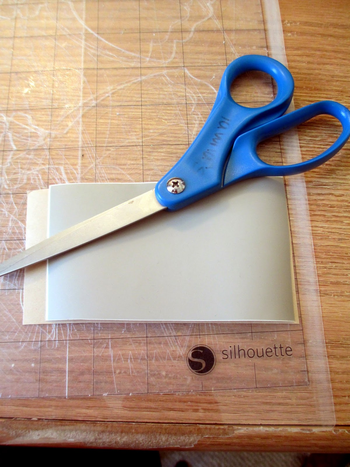 how to use transfer tape with vinyl stencil