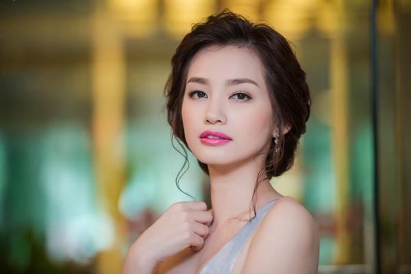 Lên xe hoa hồi đầu năm, Trúc Diễm chưa vội vàng sinh con mà muốn dành thời gian cho sự nghiệp. Ngoài việc chạy show event, quảng cáo, cô còn phụ giúp ông xã Việt kiều ở lĩnh vực kinh doanh.