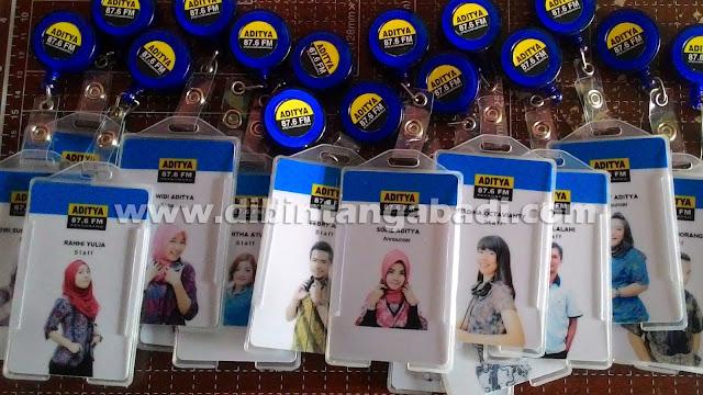 http://www.dibintangabadi.com/2014/11/jasa-cetak-id-card-murah-di-cawang.html