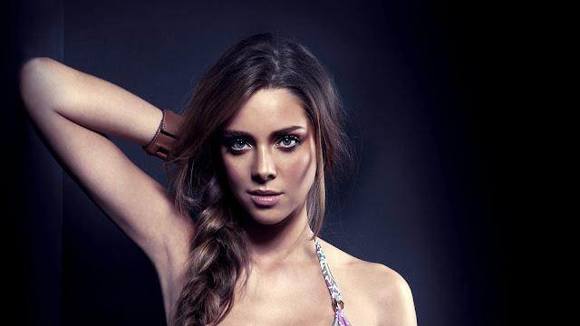 Nathalie Edenburg Model
