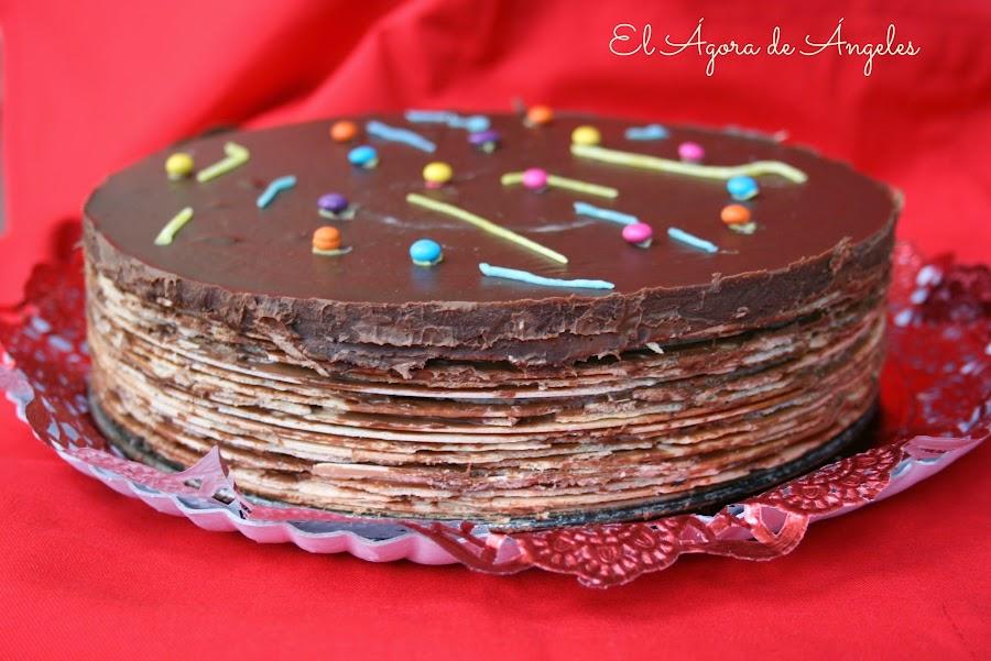 en una fiesta de cumpleaos infantil que se precie no pueden faltar las chucheras pero si adems nos las presentan en forma de tarta