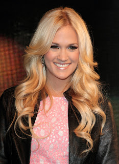 carrie underwood long blonde romantic curly hairstyle Carrie Underwood Long Blonde Romantic Curly Hairstyles