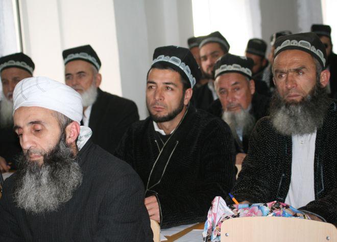 Cegah Radikalisme, Polisi Tajikistan Cukur Janggut 13.000 Laki-laki